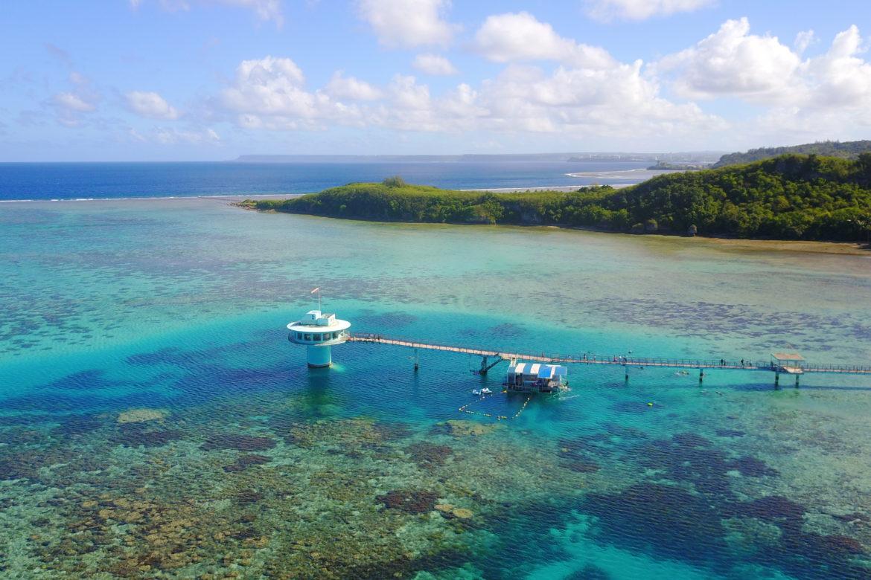 熱帯魚とご対面♪3世代旅行にもぴったり「FISHEYE 海中展望塔」