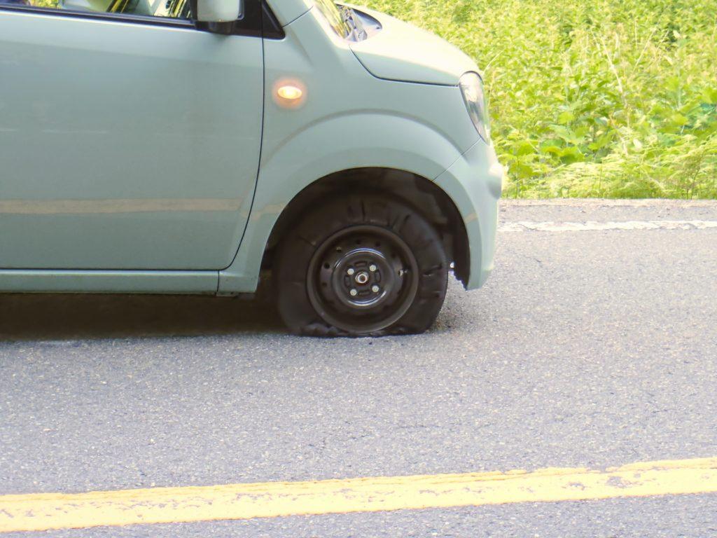 グアムレンタカー グアム日産レンタカー タイヤのパンク