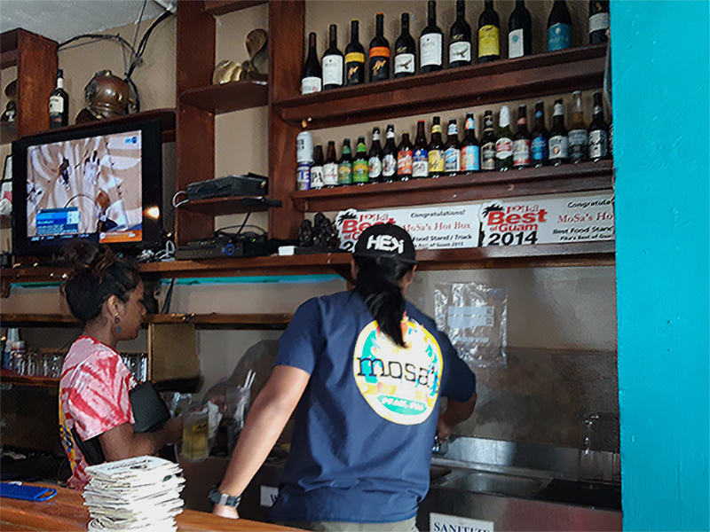グアム旅行 グアムレストラン モサズジョイント
